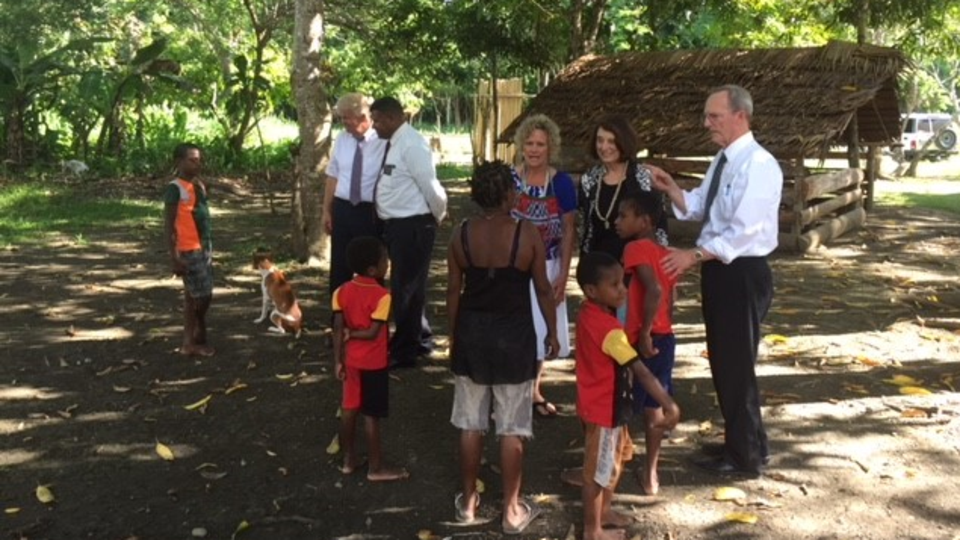 Church leaders meet with papua new guinean latter day saints malvernweather Choice Image